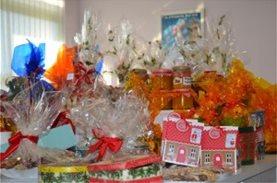 Τα Εκπαιδευτήρια Παλλάδιο προσέφεραν δώρα και γλυκά σε 4 κοινωφελείς φορείς που φροντίζουν παιδιά