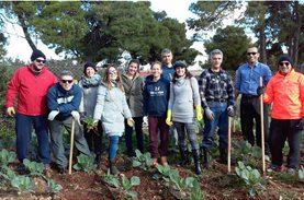 Οι εθελοντές από την Praxi Network στο «Χωράφι του Μπορούμε»